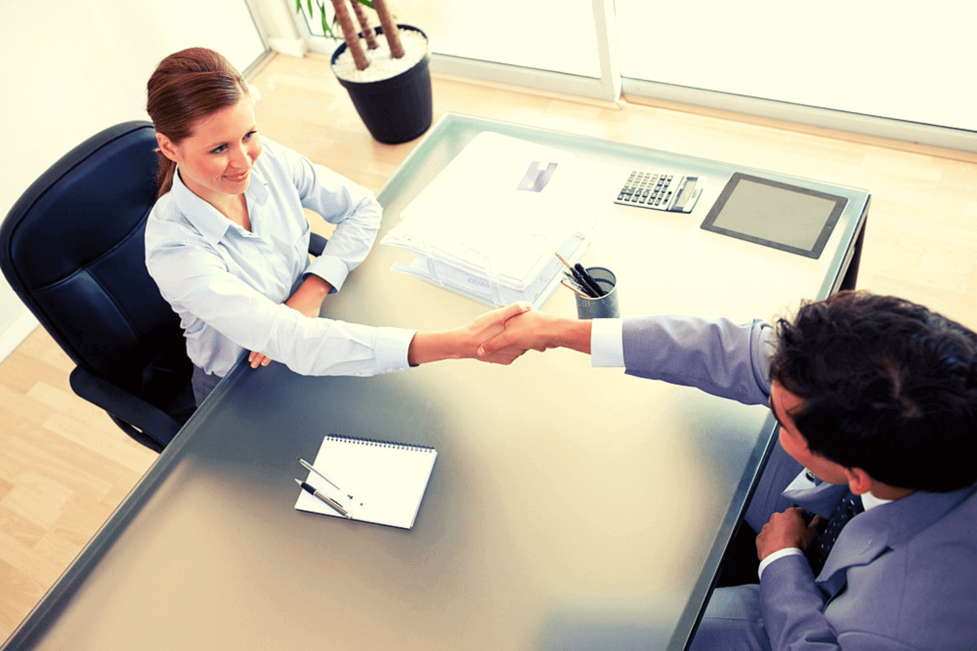 Advantages of Working with a Tenured Recruiter to Fill Your Vacant Job